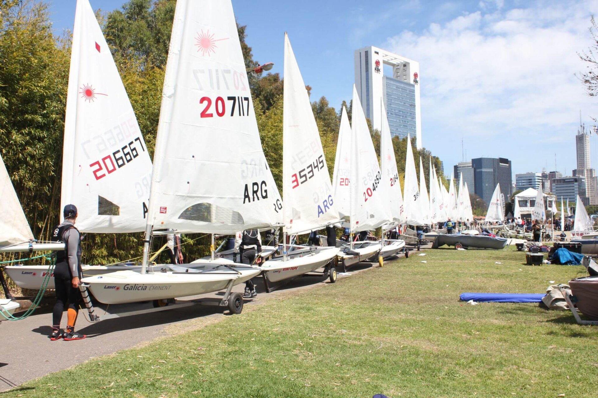 Federaci n argentina de yachting se corri el primer fin for Semana del diseno buenos aires