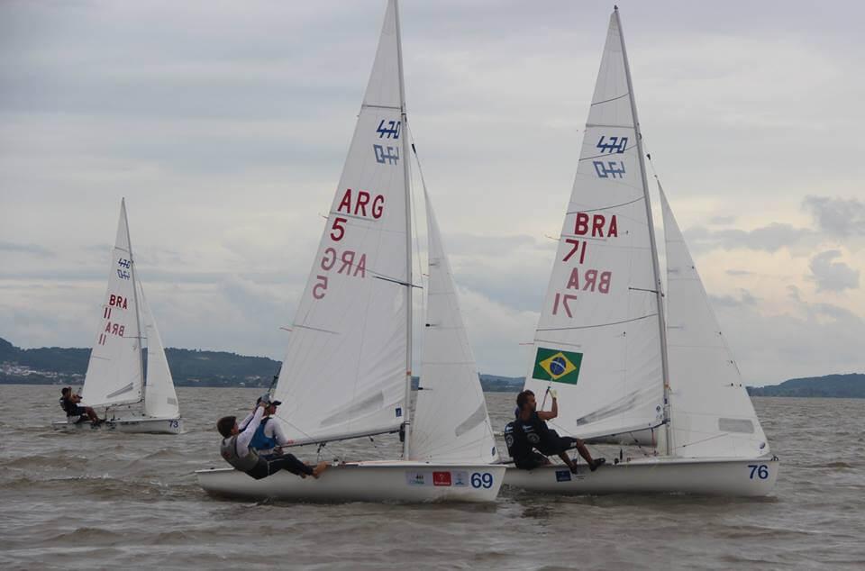 Navegando en el Sudamericano de 470
