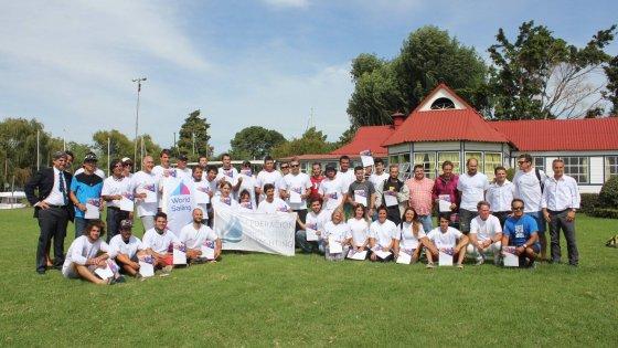 Grupo participante del Curso de Entrenadores FAY - World Sailing