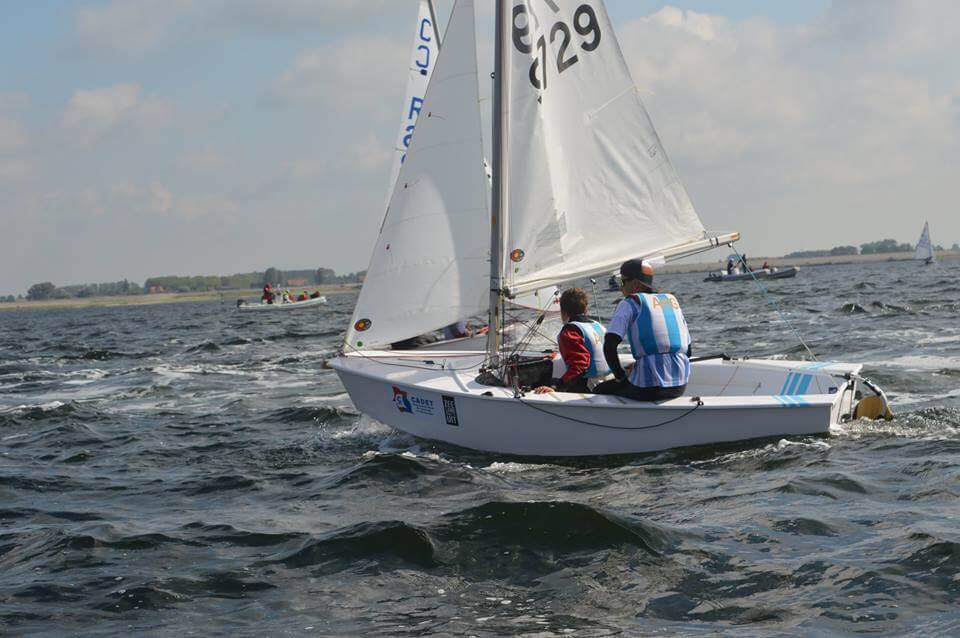 Barco argentino compitiendo en el Mundial de Cadet en Holanda