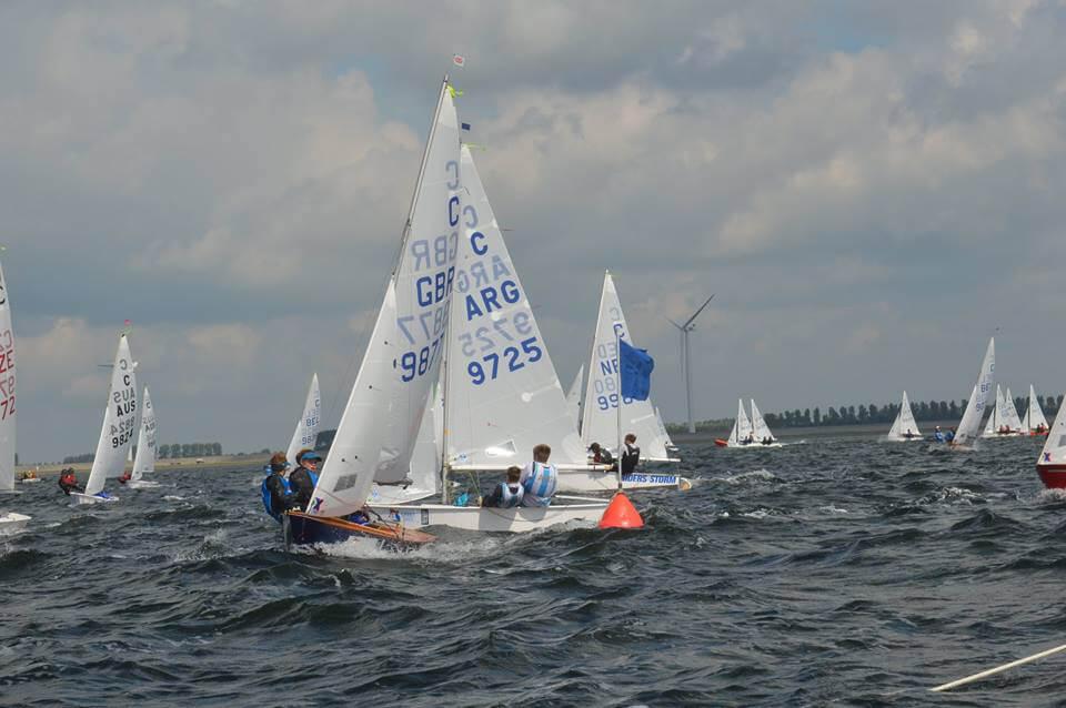 Cadet argentino en regata