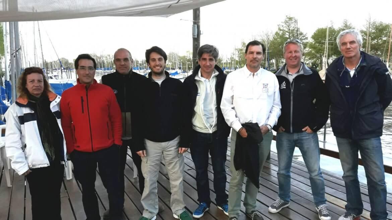 Dirigentes y autoridades de regata
