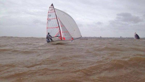 Aviso de Regatas - Campeonatos de las clases 29er y 420 - Yacht Club Uruguayo