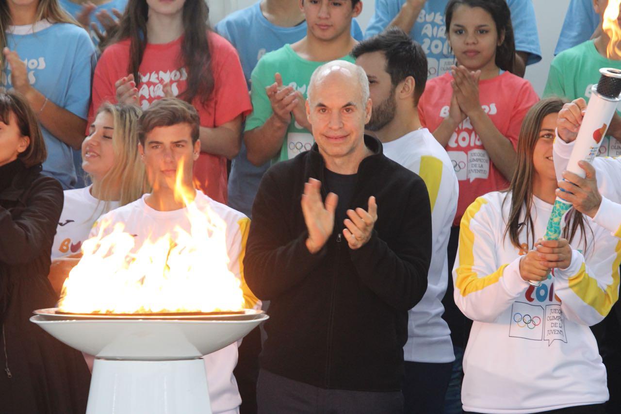 Rodríguez Larreta con la llama olímpica