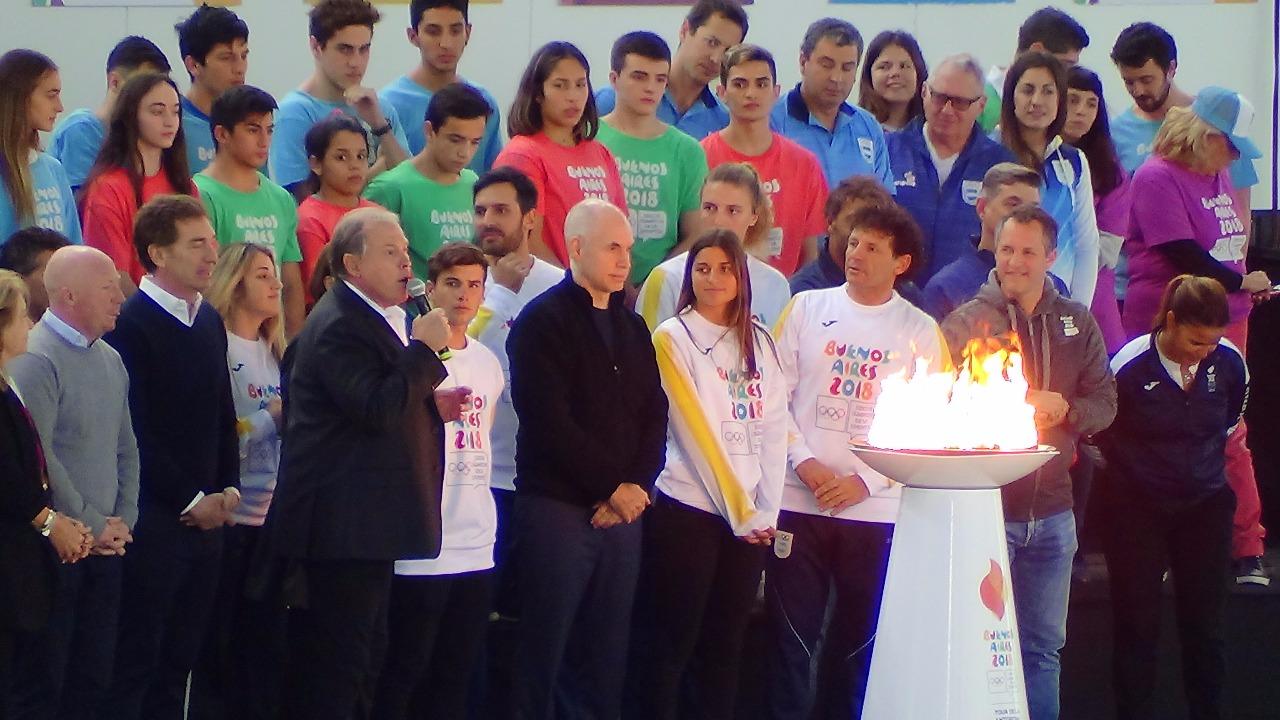 Se prende la Llama Olímpica de los Juegos de la Juventud Buenos Aires 2018