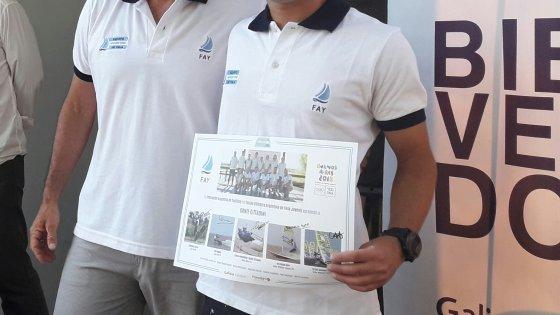 Dante Cittadini recibiendo su Diploma Olímpico - Reconocimiento a Deportistas en el Club Náutico San Isidro