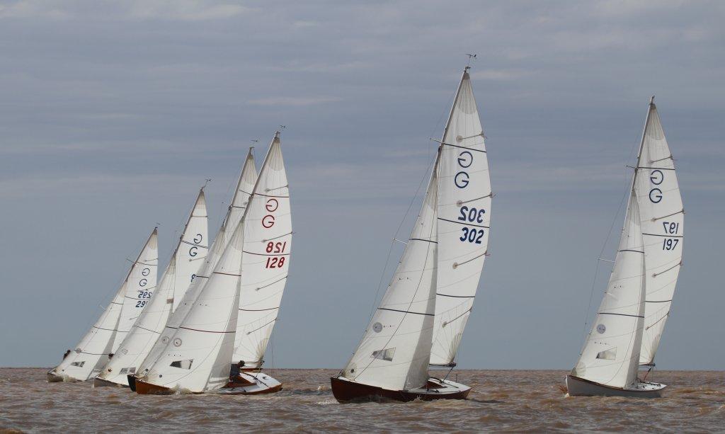 Barcos Clase Grumete navegando