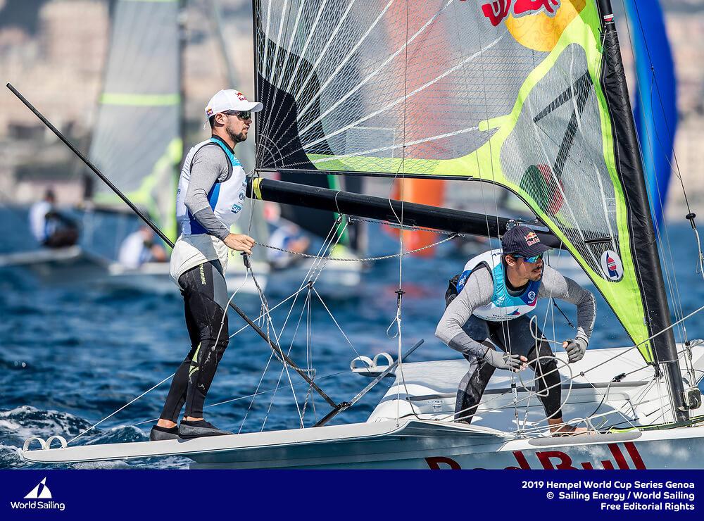 Los hermanos Yago y Klaus Lange navegando en Hempel - Genoa 2019