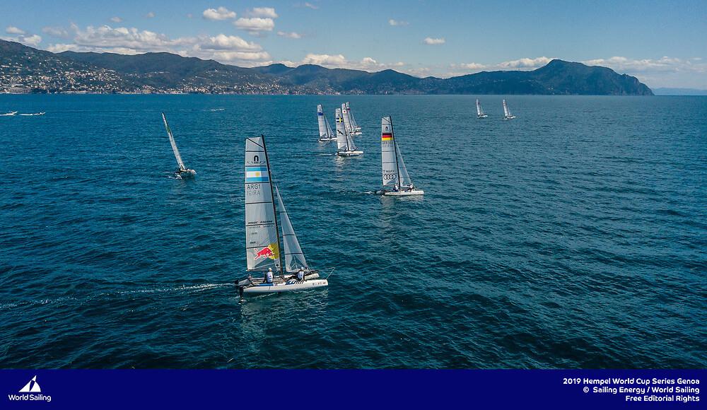 Santi Lange y Ceci Carranza navegando en Hempel -Genoa 2019