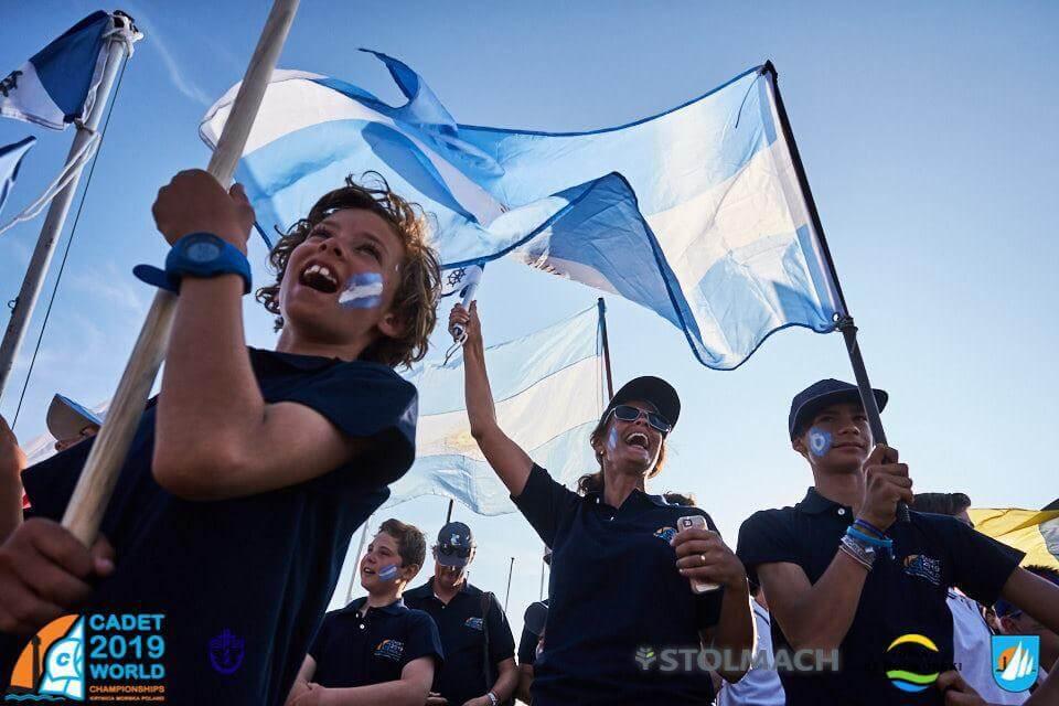 Los chicos de Cadet, en el desfile de inauguración en el Mundial de Polonia 2019