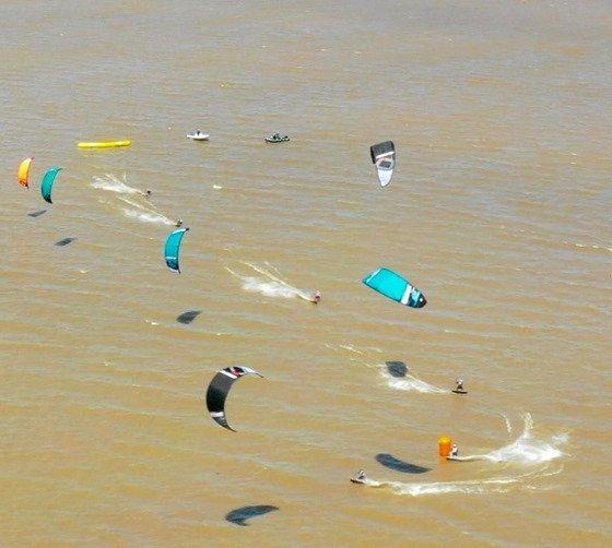 Los Biguas entrenando en el agua