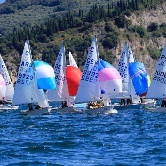 Campeonato Mundial de Cadet - Italia 2021 - barcos navegando
